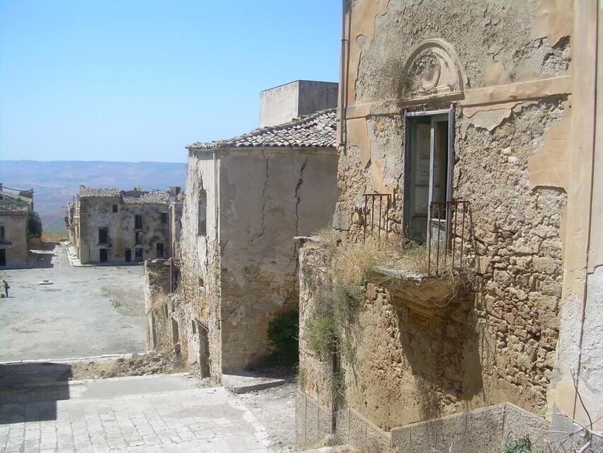 Miasto widmo – Poggioreale, Sycylia